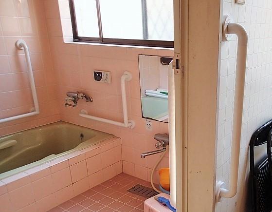 風呂場、脱衣所 手すり|リフォーム